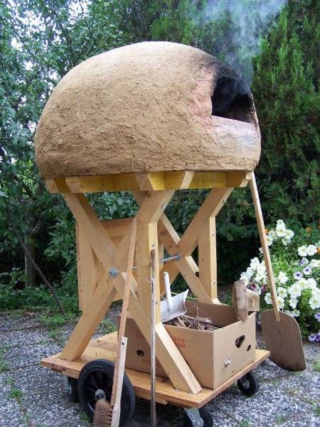 Laboratorio di costruzione del forno ecologico in terra for Costruire ecologico